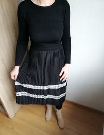 SWETERKOWA sukienka z plisowaniem