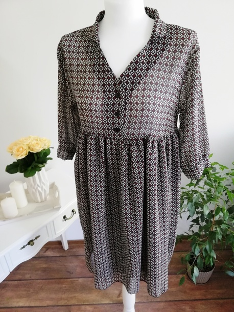 Sukienka Wzorki (1)